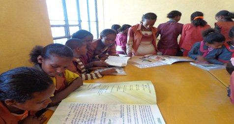 Children Reading CLs